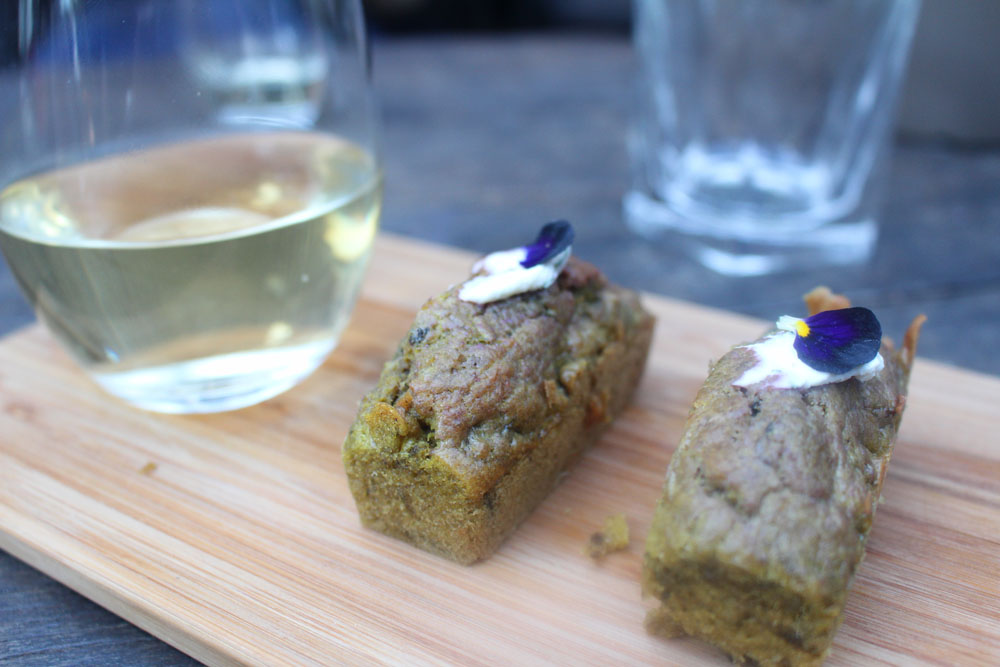 Beetroot cake and white wine
