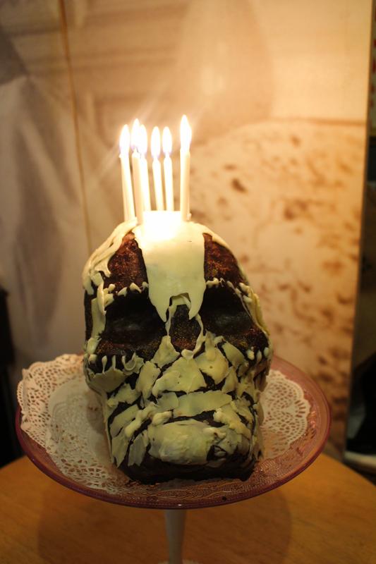 Junesees.wordpress.com-Birthday-Skull-Cake-277
