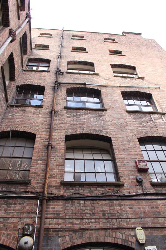 Junesees.wordpress.com-Courtyard-Studio-Jul14_05